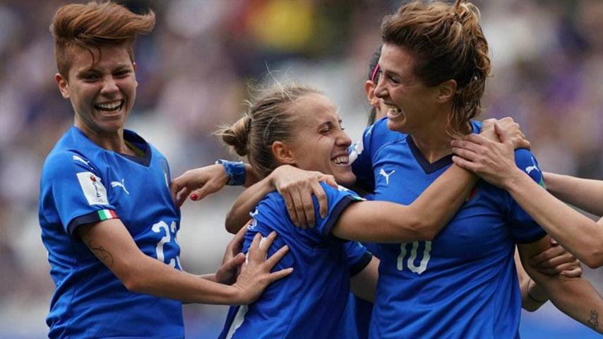 ฟุตบอลโลกหญิง : จาไมกา W VS อิตาลี W